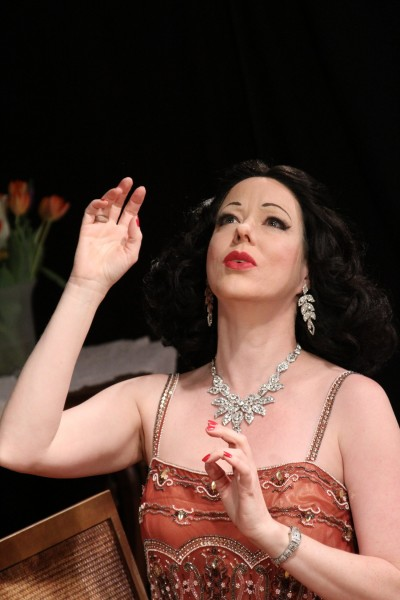 Heather Massie as Hedy Lamarr. Photo by Monica Callan